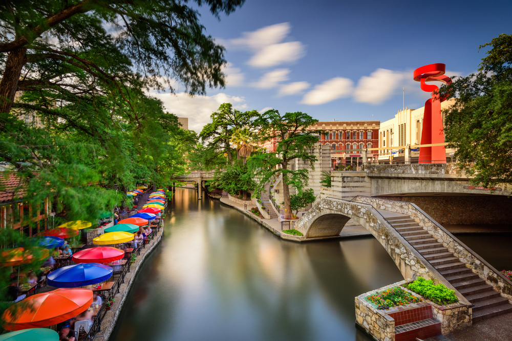 The River Walk in San Antonio offers plenty of sightseeing and dining for those living in sobriety.